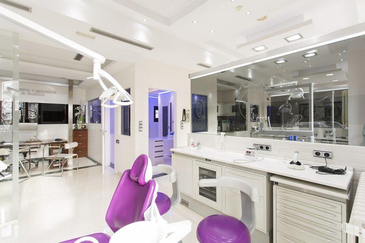 implantes dentales vallecillo